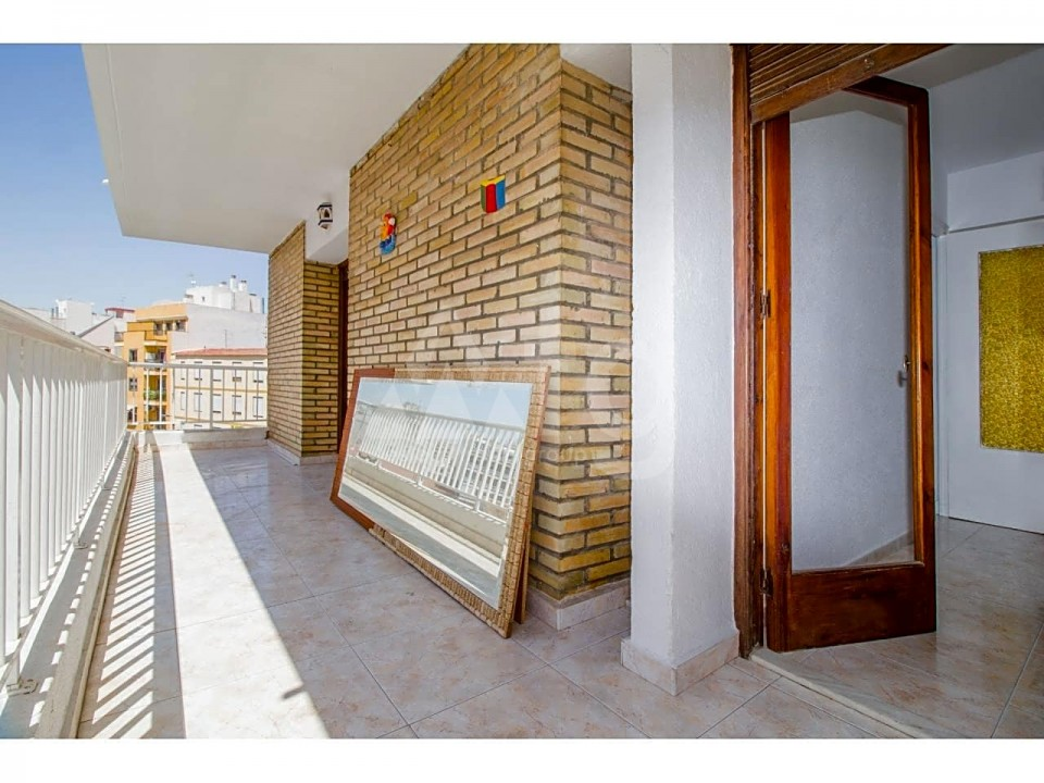 3 bedroom Apartment in Torrevieja - ARCR0486 - 14