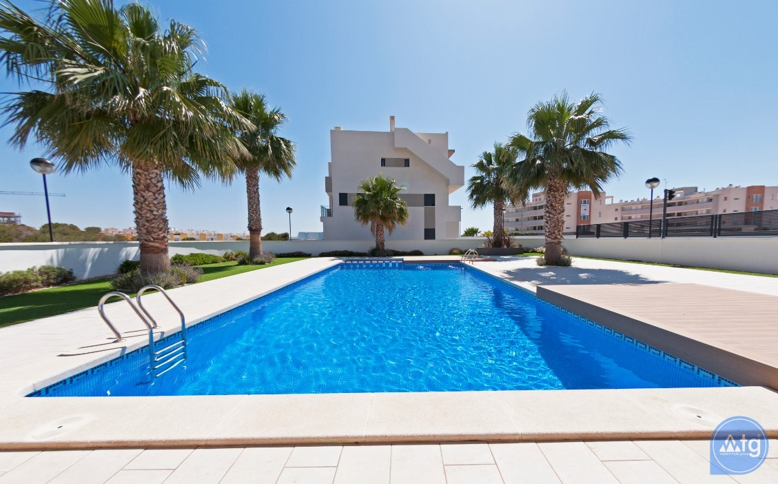 3 bedroom Apartment in Torrevieja  - ARCR0487 - 2