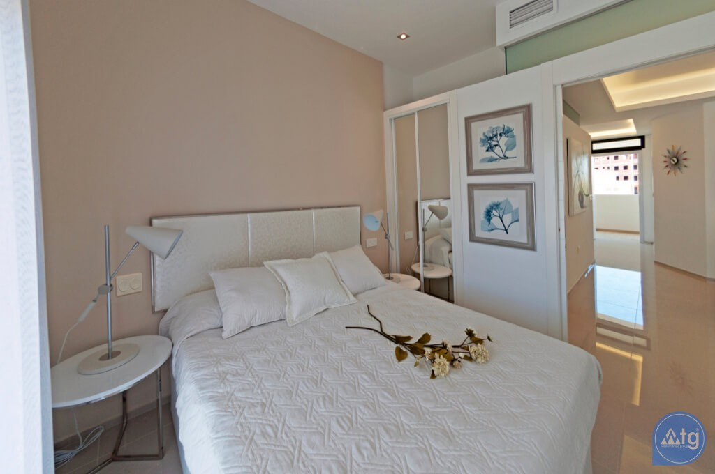 3 bedroom Apartment in Torrevieja  - ARCR0487 - 5