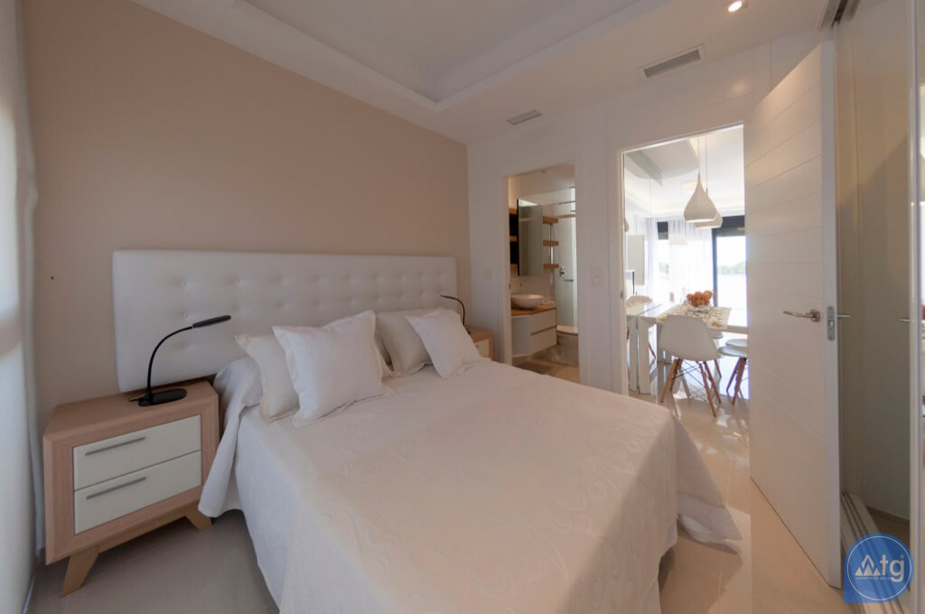 3 bedroom Apartment in Torrevieja  - ARCR0487 - 6