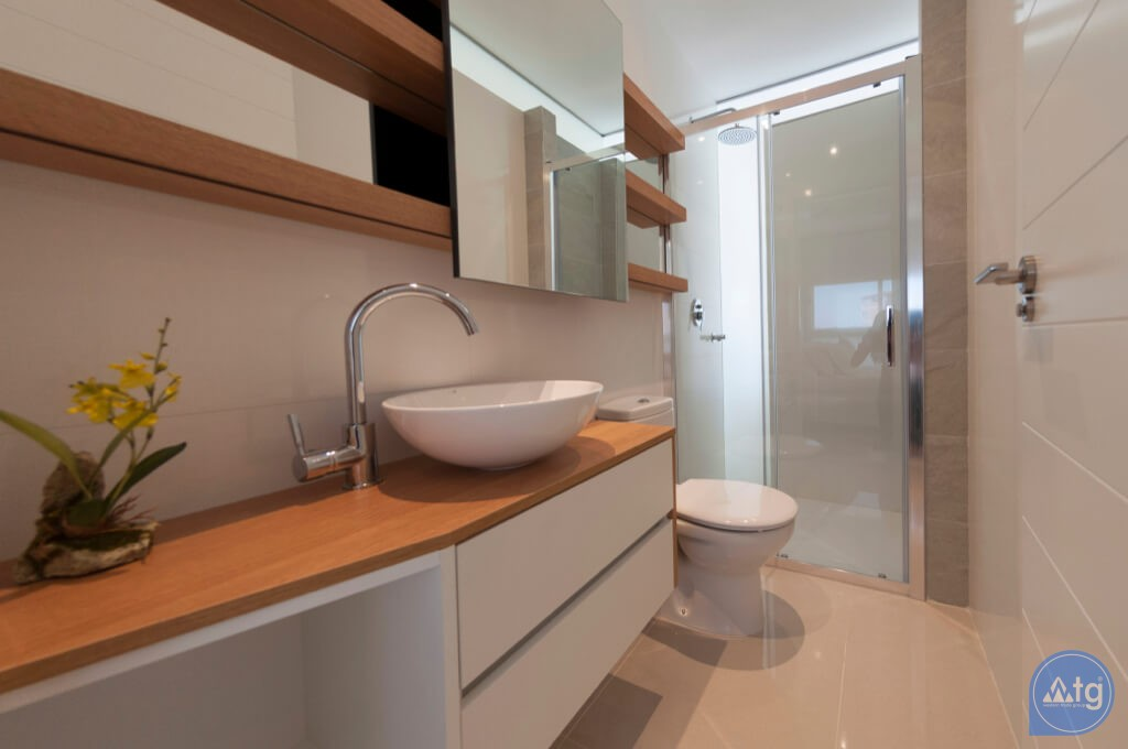 3 bedroom Apartment in Torrevieja  - ARCR0487 - 9