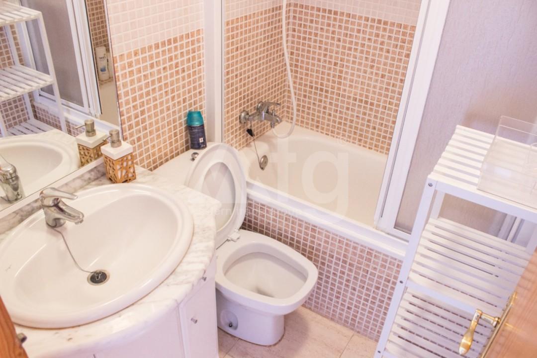 2 bedroom Apartment in Torrevieja  - W8663 - 20