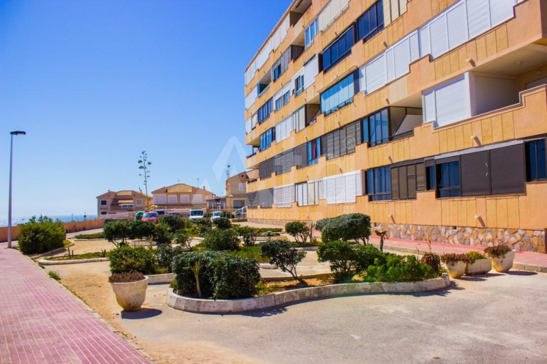 2 bedroom Apartment in Torrevieja  - W8663 - 22