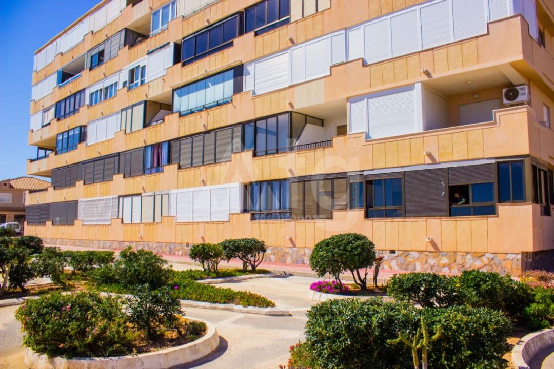 2 bedroom Apartment in Torrevieja  - W8663 - 26