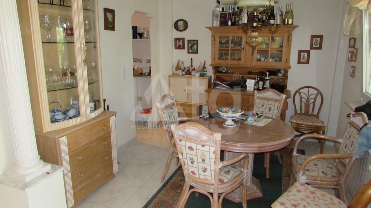 4 bedroom Villa in Torrevieja  - AG7059 - 12