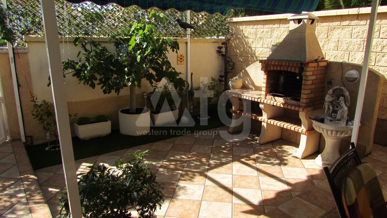 4 bedroom Villa in Torrevieja  - AG7059 - 13