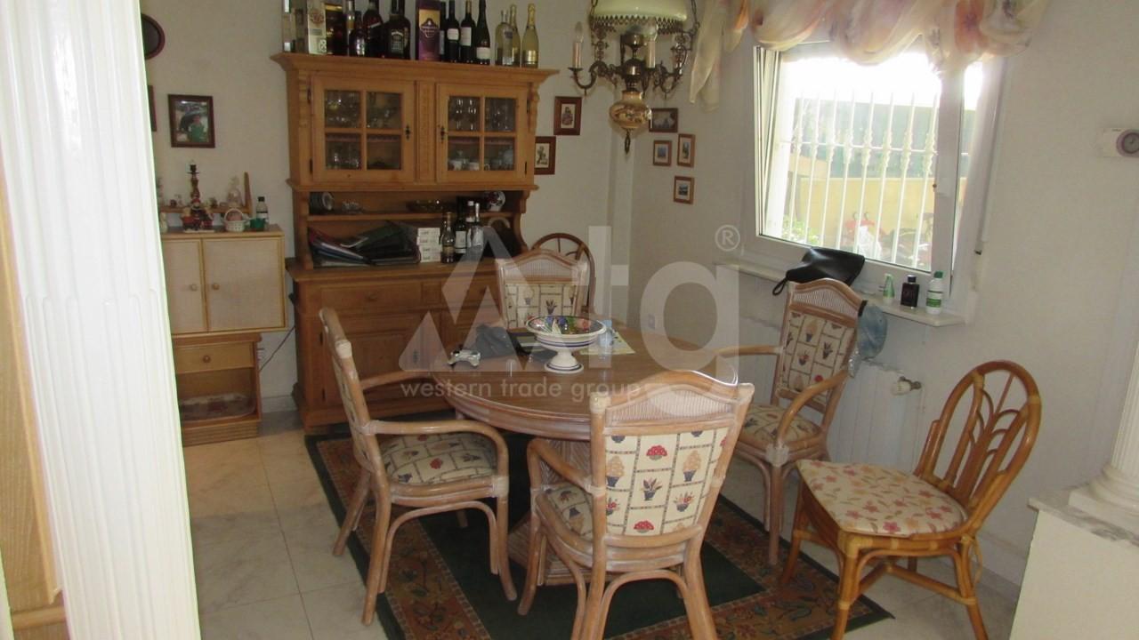 4 bedroom Villa in Torrevieja  - AG7059 - 14