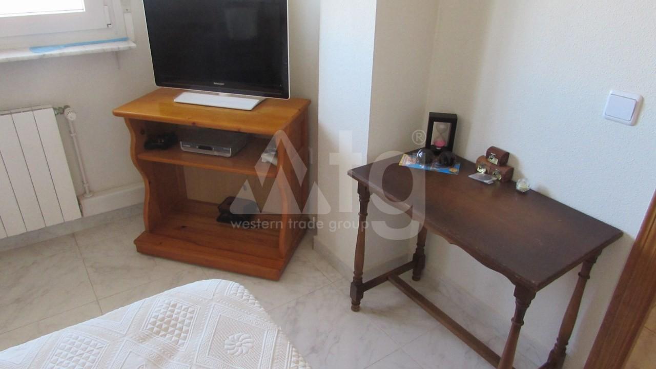 4 bedroom Villa in Torrevieja  - AG7059 - 15