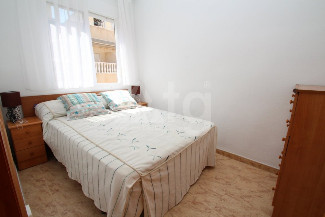 3 bedroom Apartment in Torrevieja  - AG4133 - 11