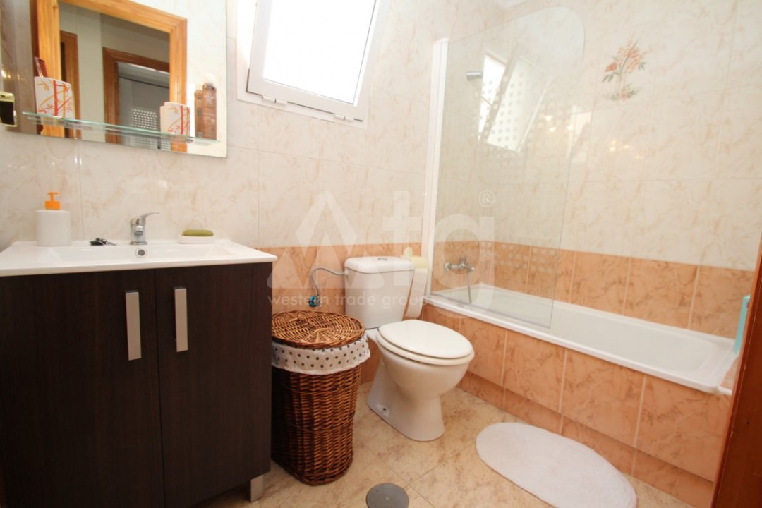 3 bedroom Apartment in Torrevieja  - AG4133 - 8