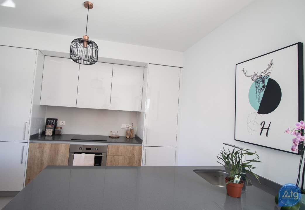 3 bedroom Penthouse in Torrevieja  - AG2607 - 12