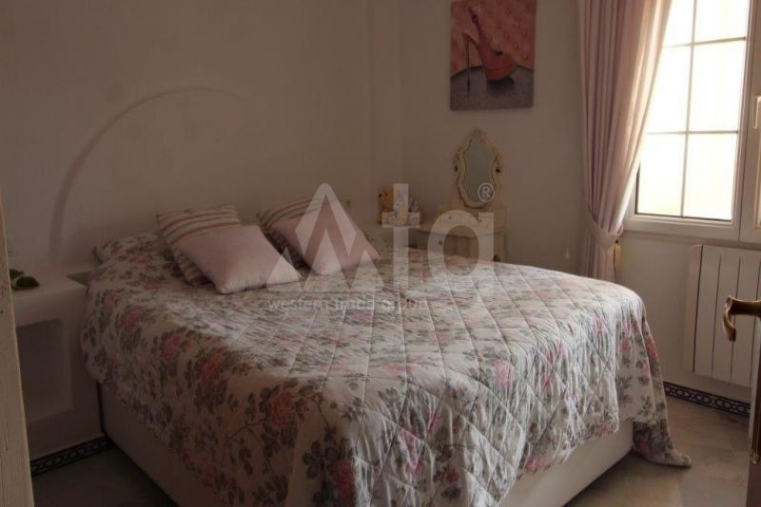 3 bedroom Villa in Algorfa  - TRI114880 - 12