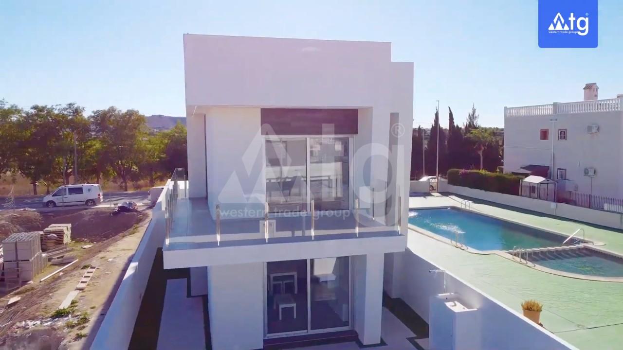 4 bedroom Villa in Los Montesinos - GEO8325 - 2
