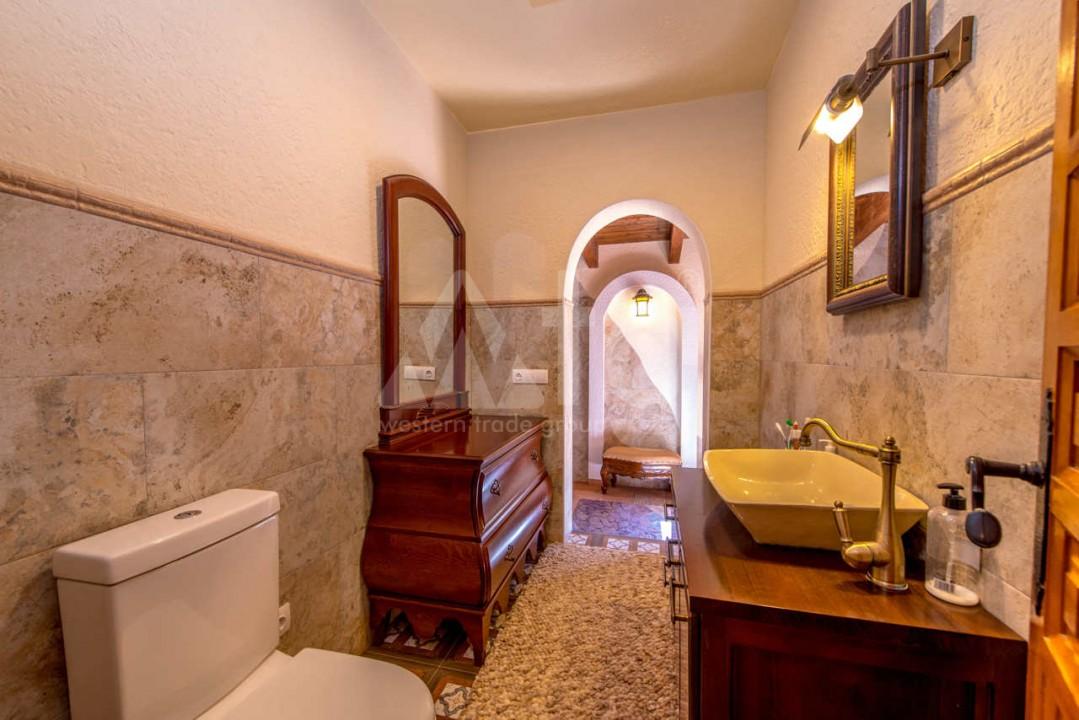 3 bedroom Villa in Los Balcones  - B2382 - 13