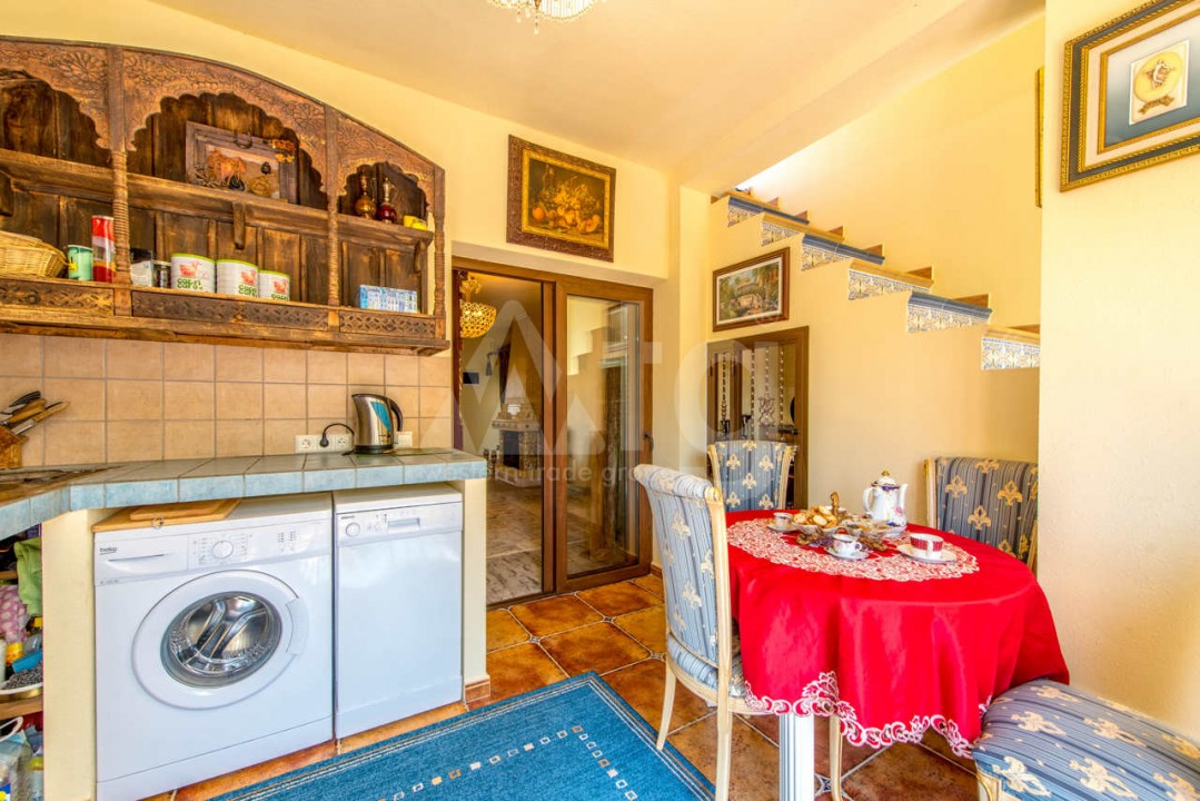 3 bedroom Villa in Los Balcones  - B2382 - 8