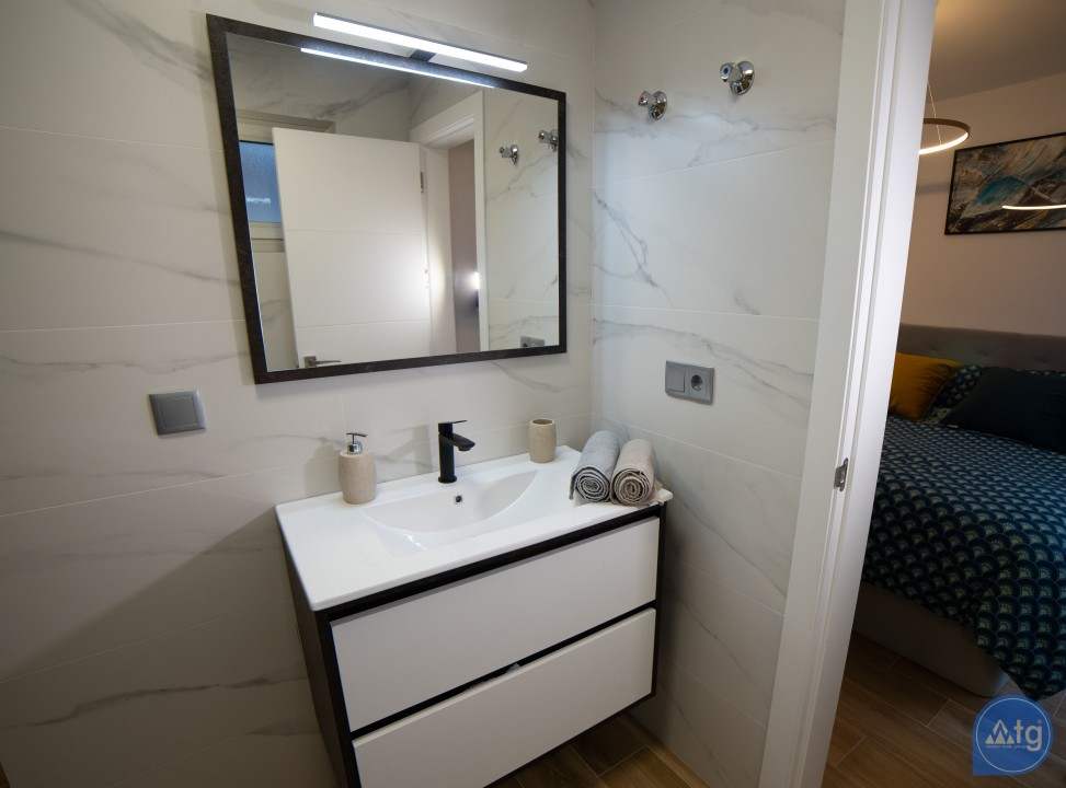 4 bedroom Villa in Villamartin  - AG6086 - 17