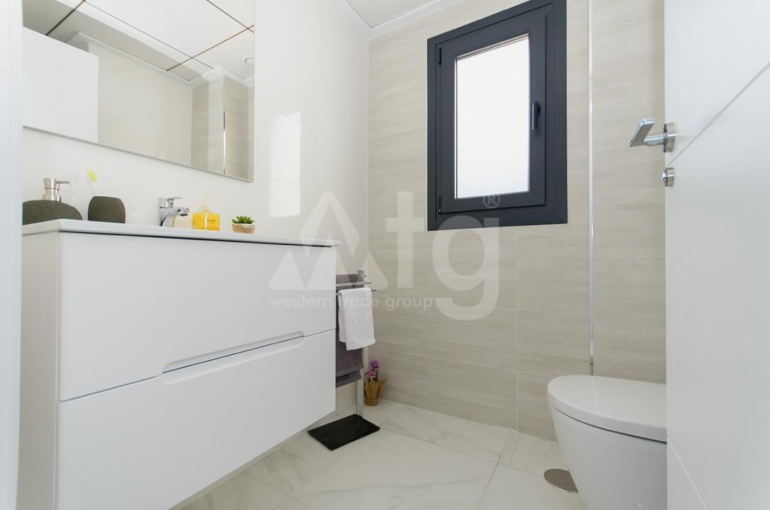 3 bedroom Apartment in Villajoyosa - QUA8642 - 2