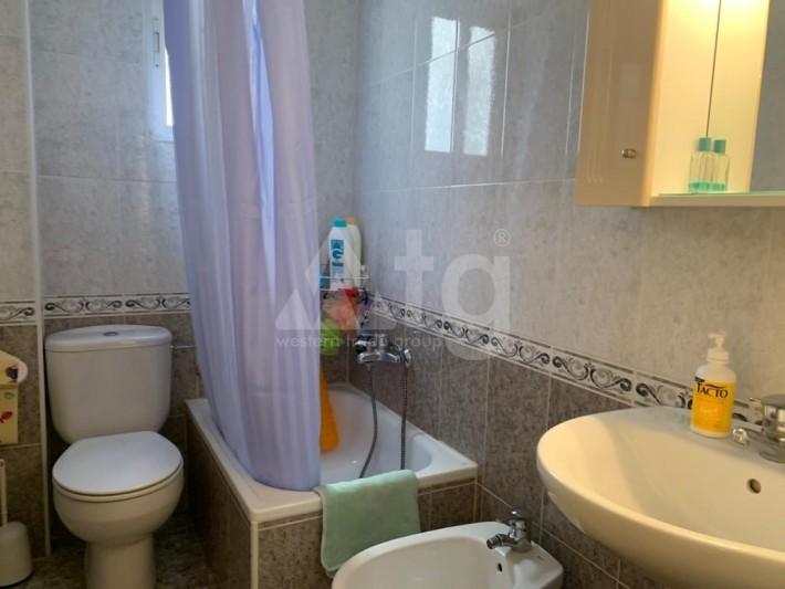 2 bedroom Apartment in Torrevieja  - AGI8533 - 11