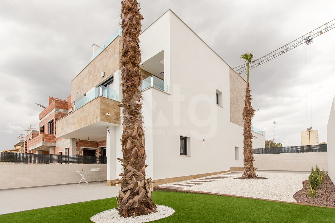 3 bedroom Apartment in Torrevieja  - AGI6067 - 2
