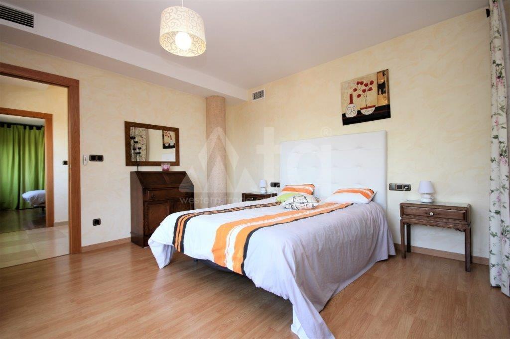 3 bedroom Apartment in Torrevieja  - ERF115836 - 11