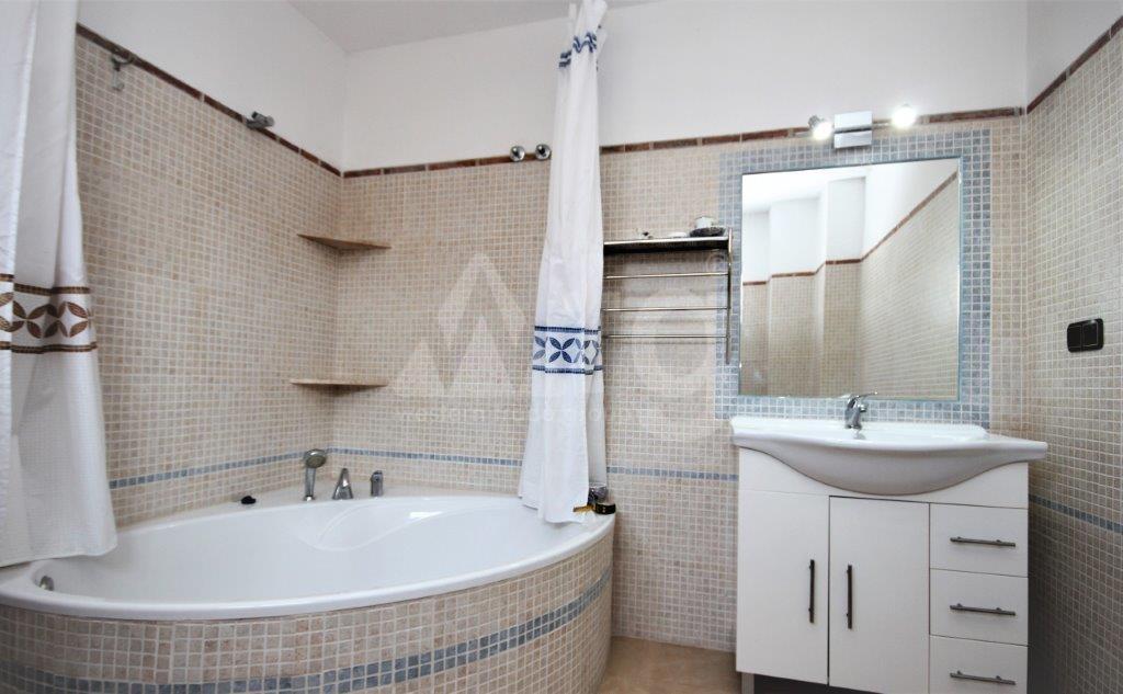 3 bedroom Apartment in Torrevieja  - ERF115836 - 16