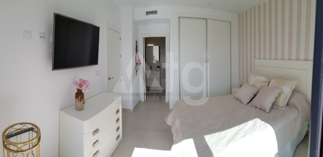 2 bedroom Apartment in Torrevieja  - ARCR0430 - 14