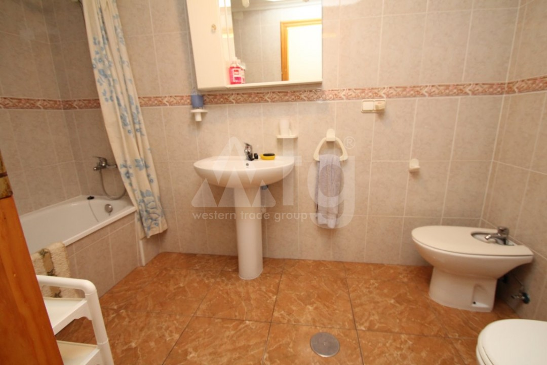 2 bedroom Apartment in Torrevieja - AG4339 - 13