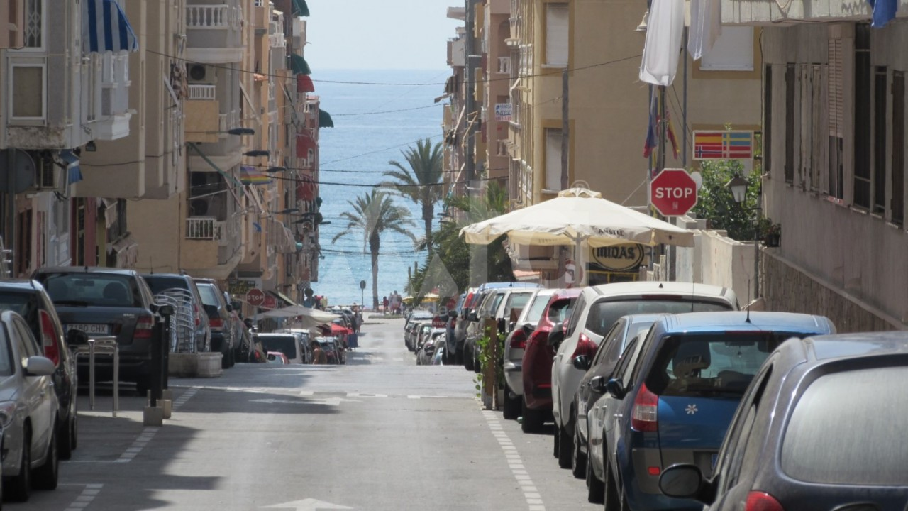 2 bedroom Apartment in Torrevieja - AG7060 - 13