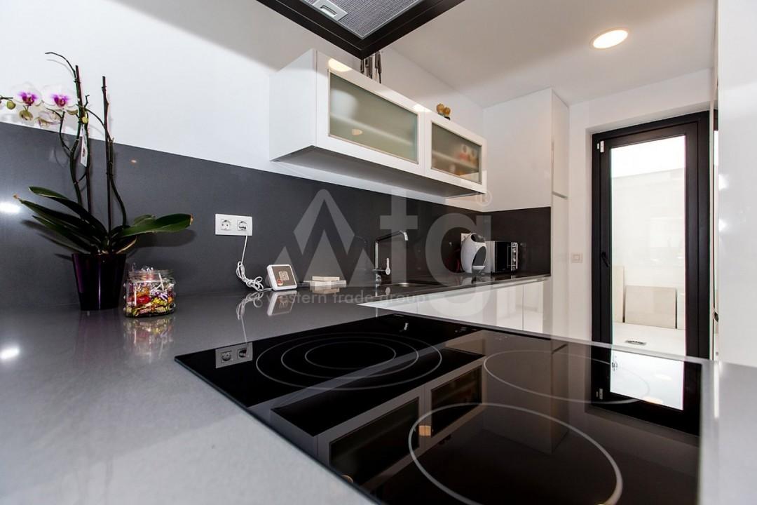 Appartement de 3 chambres à Torrevieja - MS115090 - 25