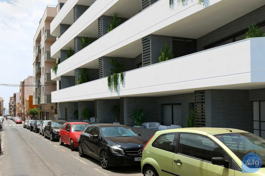 Appartement de 3 chambres à Torrevieja - MS115086 - 31