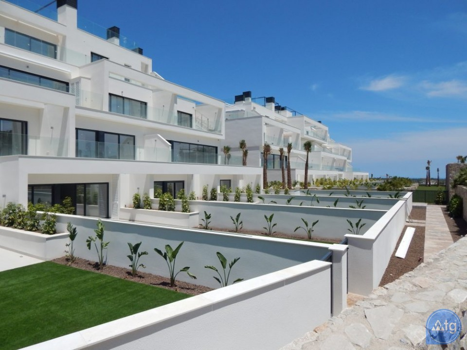 3 bedroom Apartment in Villajoyosa  - W5744 - 1