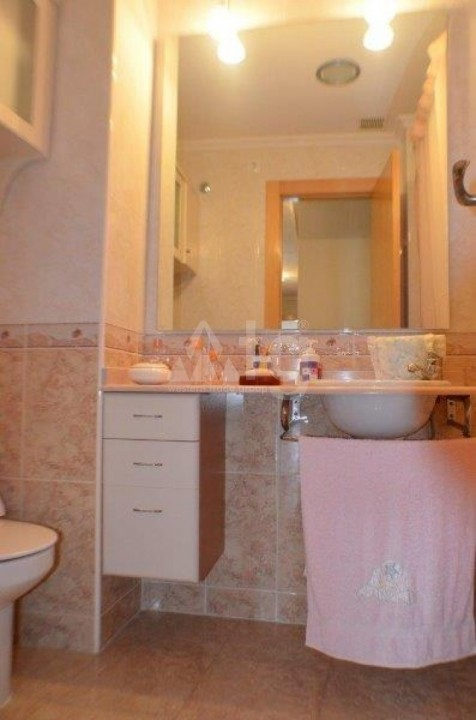 3 bedroom Villa in Villamartin  - HH8365 - 12
