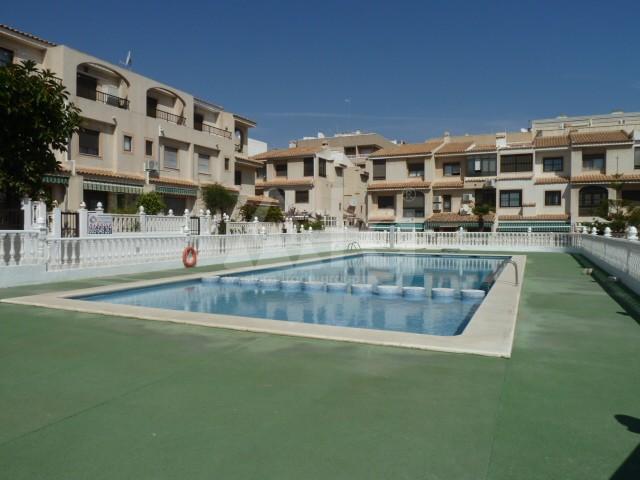 Townhouse de 3 chambres à Guardamar del Segura - AG9024 - 7