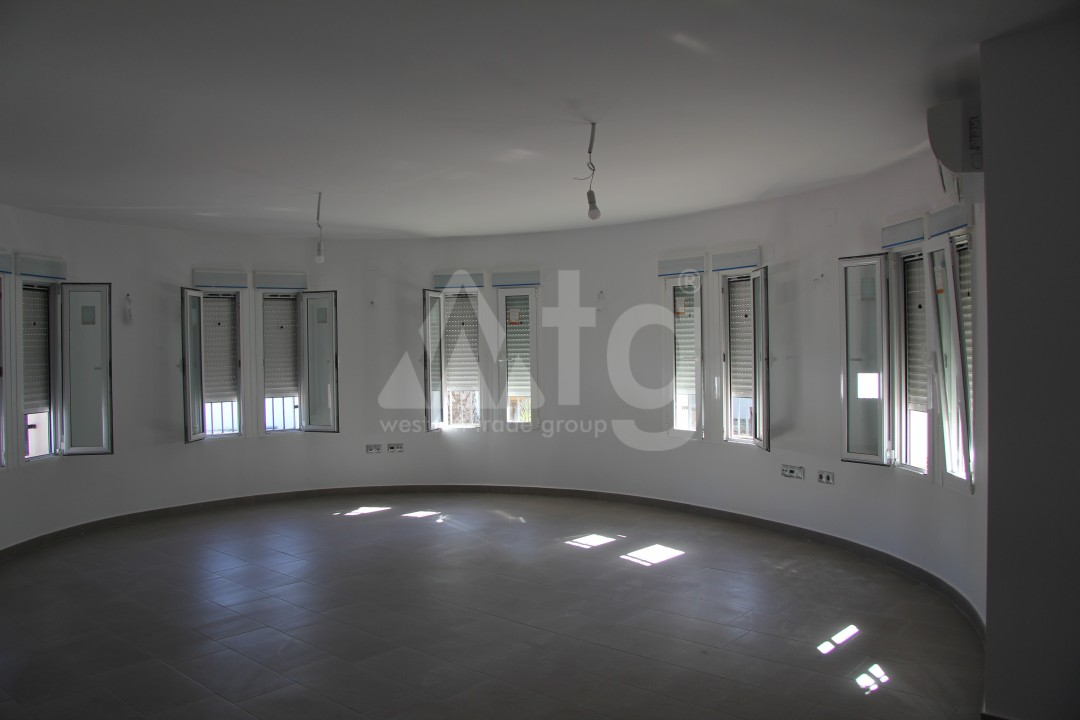 2 bedroom Apartment in Torrevieja  - AG5966 - 13