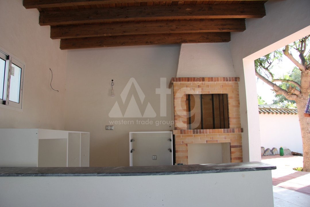 2 bedroom Apartment in Torrevieja  - AG5966 - 4