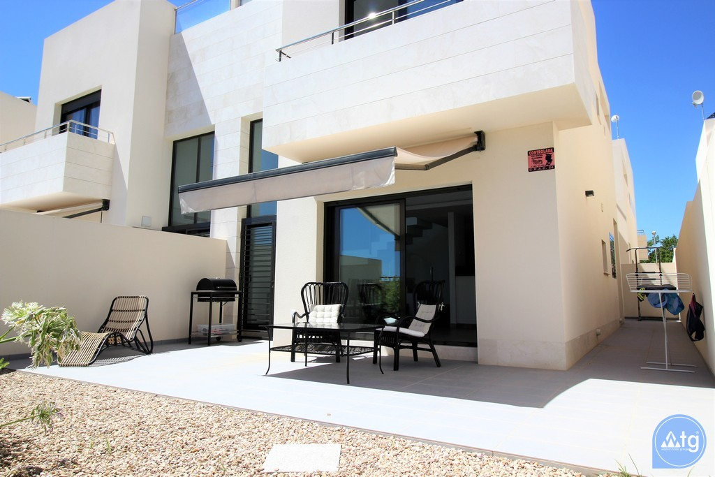 3 bedroom Apartment in Torrevieja - IR6798 - 1