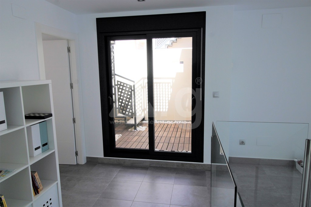 3 bedroom Apartment in Torrevieja - IR6798 - 10
