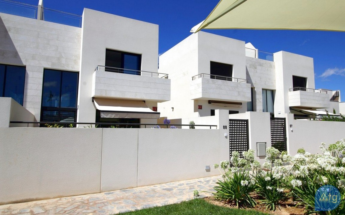 3 bedroom Apartment in Torrevieja - IR6798 - 3
