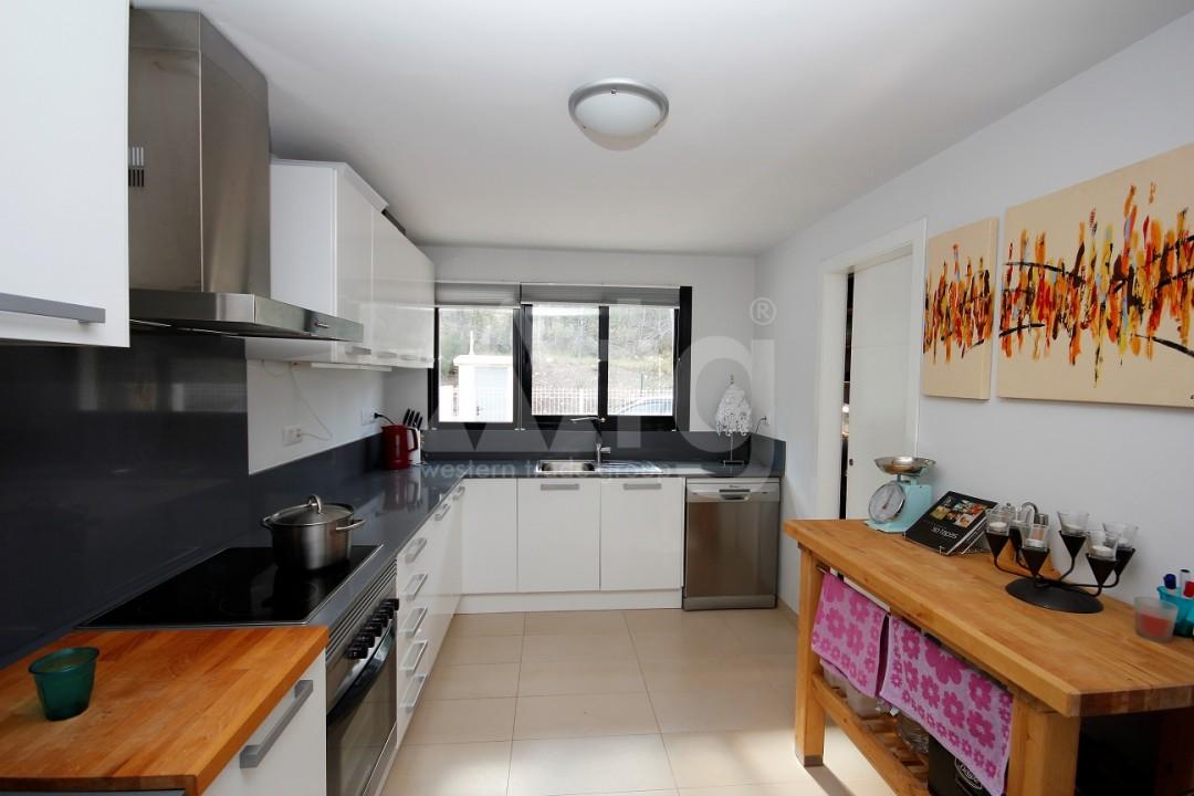 3 bedroom Apartment in Torrevieja  - ERF115834 - 12