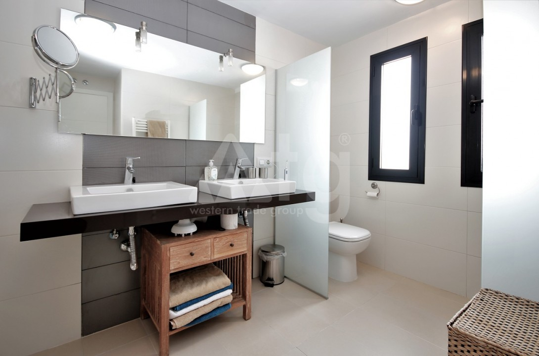 3 bedroom Apartment in Torrevieja  - ERF115834 - 13