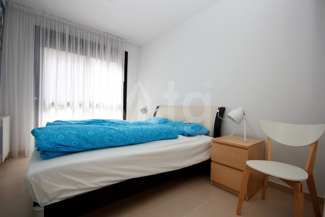 3 bedroom Apartment in Torrevieja  - ERF115834 - 8