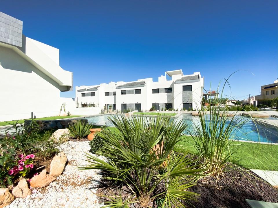3 bedroom Apartment in Mil Palmeras  - SR7920 - 1