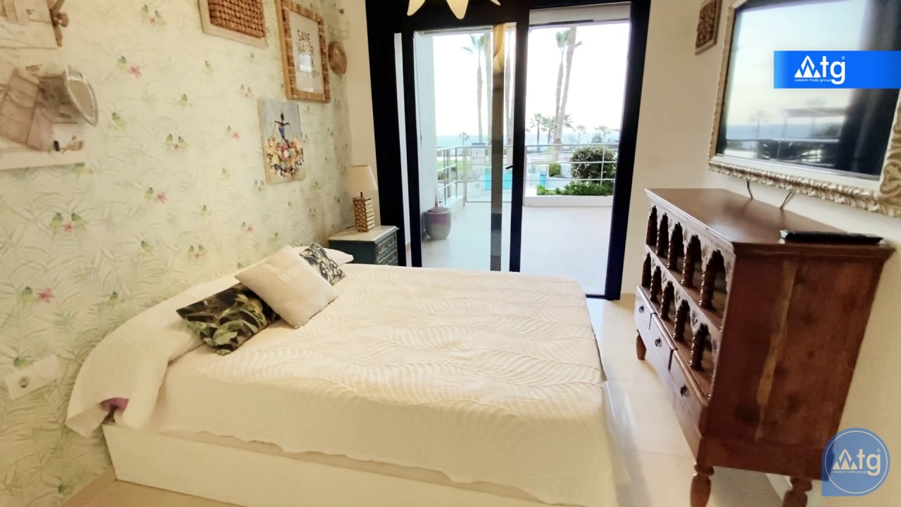 3 bedroom Apartment in Torrevieja  - ERF115831 - 27