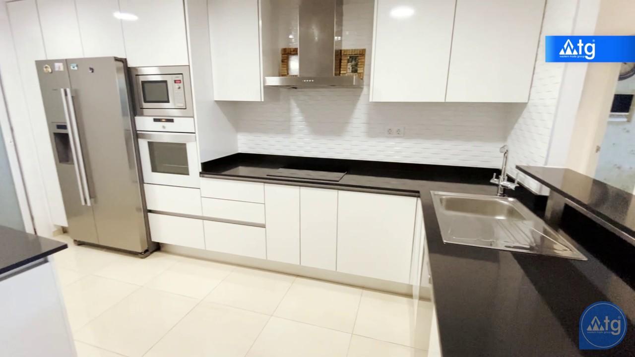 3 bedroom Apartment in Torrevieja  - ERF115831 - 46