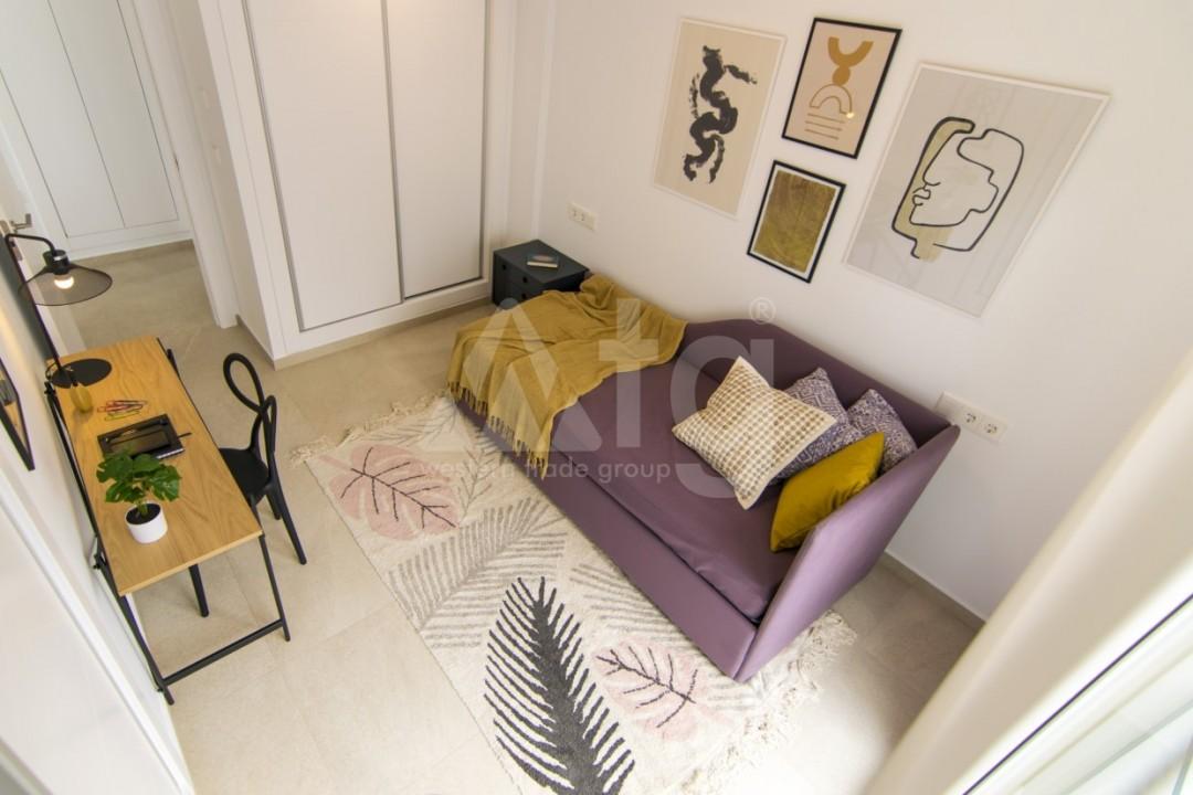 3 bedroom Apartment in Torrevieja  - ERF115838 - 11