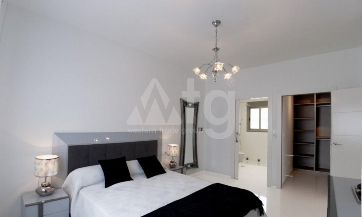 2 bedroom Apartment in Torrevieja - TR7296 - 14