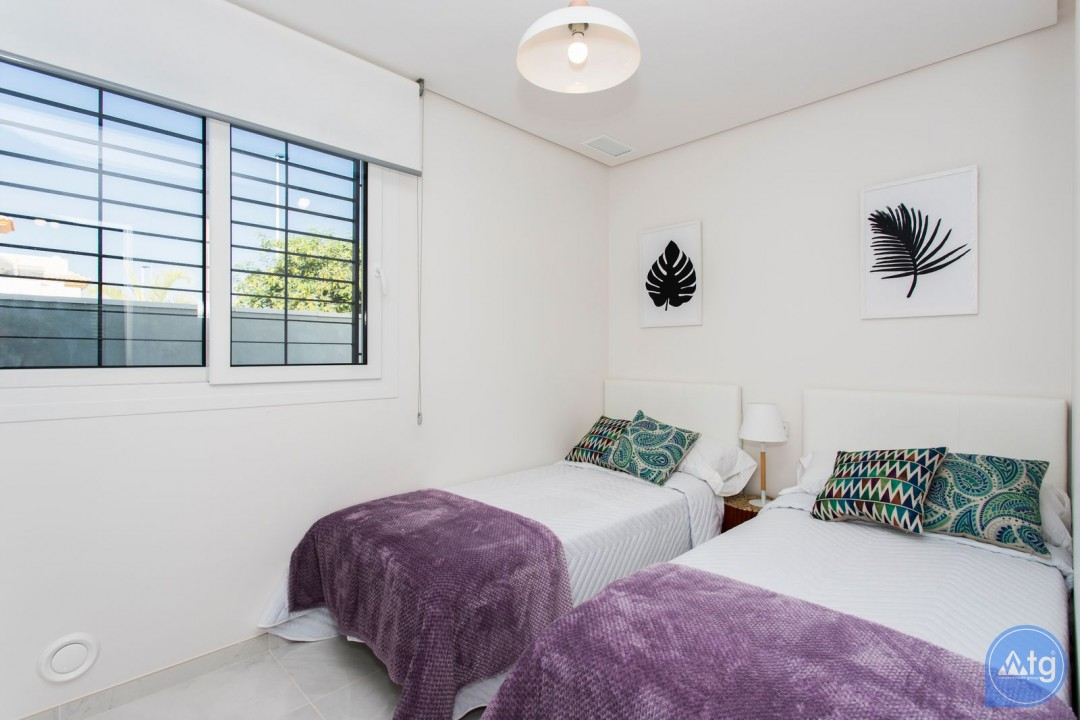 2 bedroom Bungalow in Torrevieja  - US6852 - 13