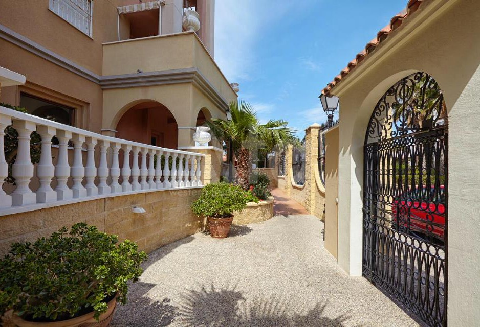 4 bedroom Villa in Castalla  - AGI115449 - 3