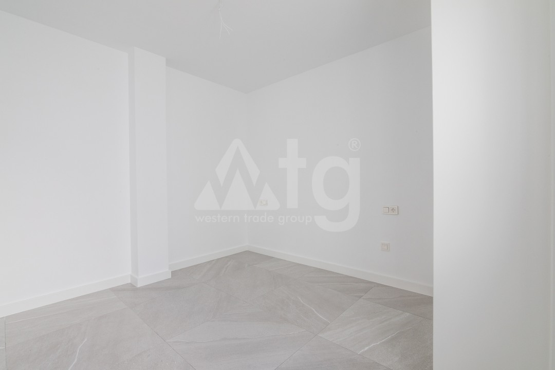 3 bedroom Apartment in Torrevieja  - ERF115826 - 17
