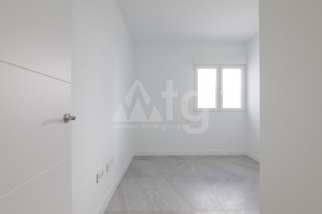 3 bedroom Apartment in Torrevieja  - ERF115826 - 19